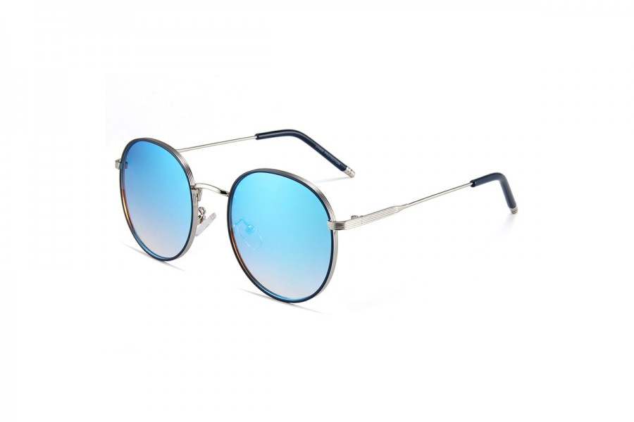 Ari - Blue RV